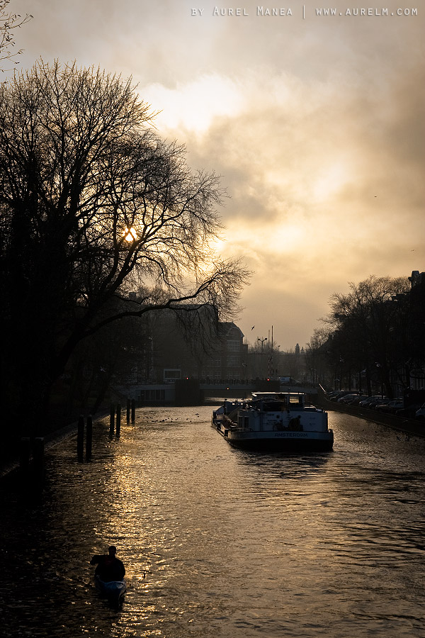 Amsterdam-canal-01