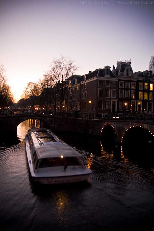 Amsterdam-dusk-over-canal-02