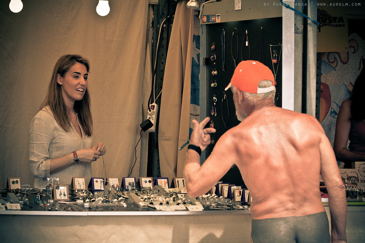 Barcelona-naked-old-man-with-tattoos-14