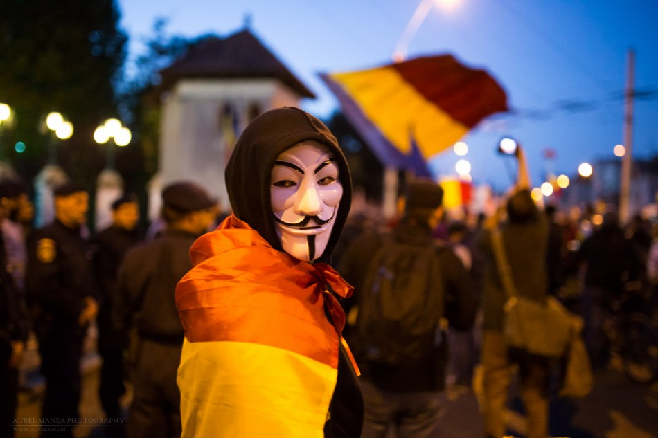 Bucharest-protests-against-Rosia-montana-mine-october_07- (11 of 35)