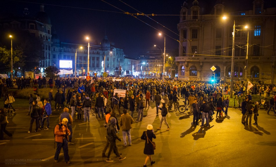 Bucharest-protests-against-Rosia-montana-mine-october_07- (22 of 35)
