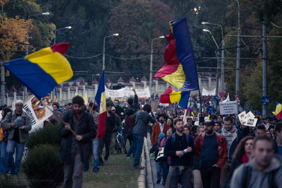 Bucharest-protests-against-Rosia-montana-mine-october_07- (9 of 35)