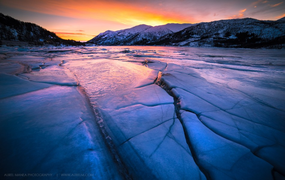 Frozen-lake-in-Lofoten-04