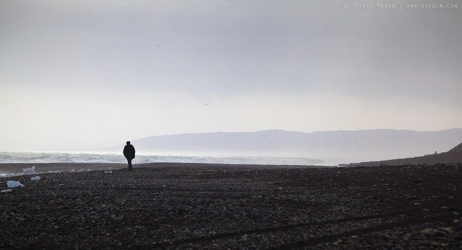 Iceland-Jokulsarlon-man-on-beach-01