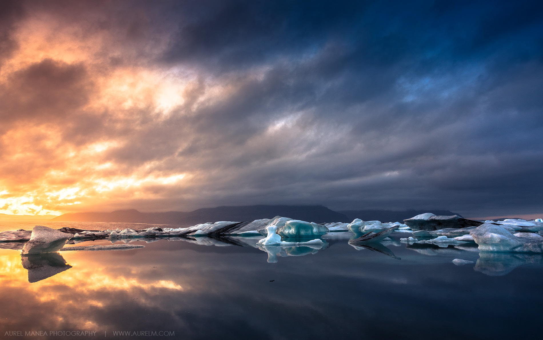 Jokulsarlon-lake-sunset-in-Iceland-01
