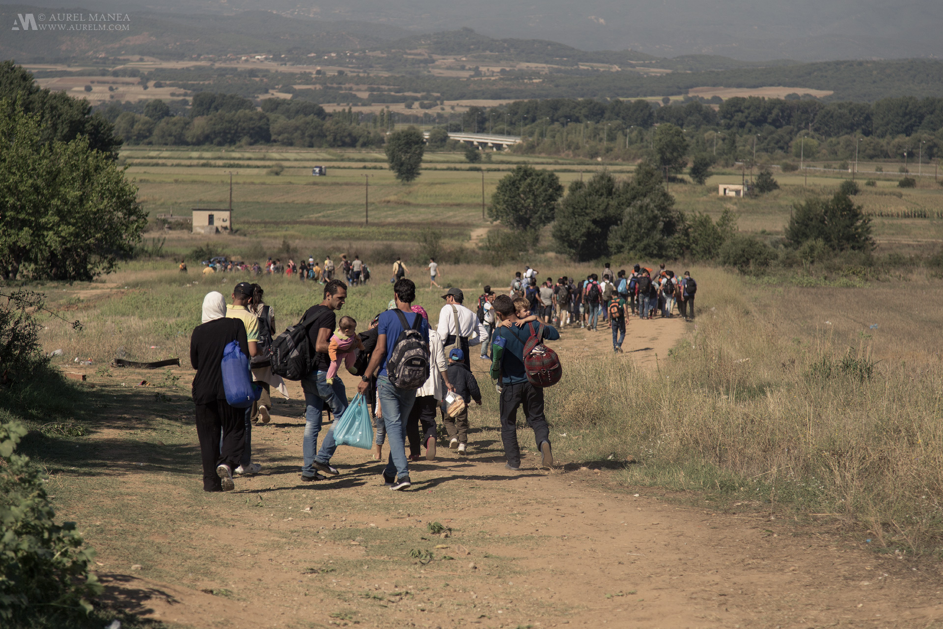 emigrants-Greece-Macedonia-border-01