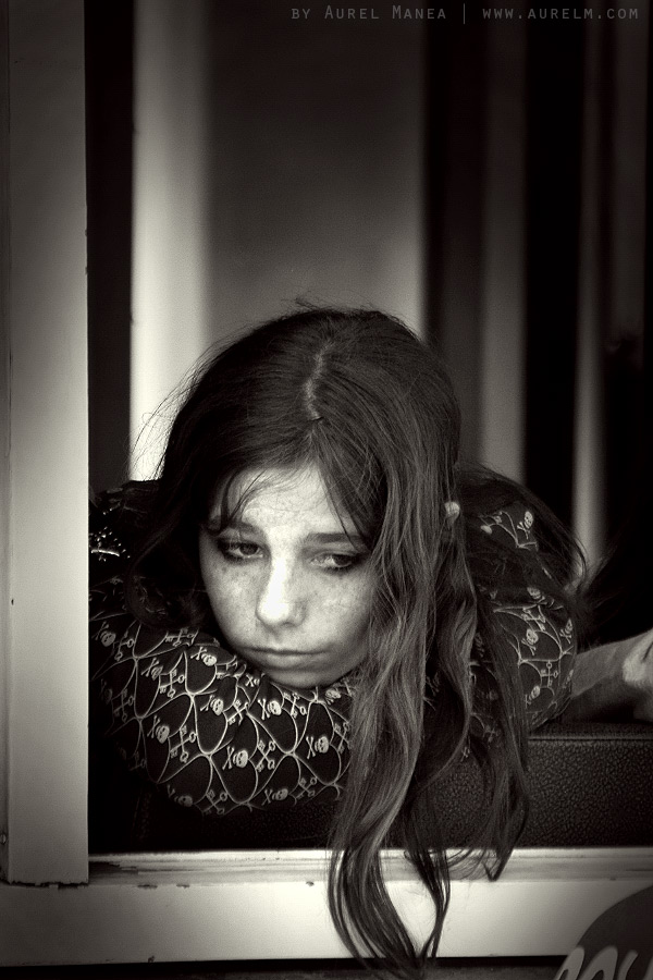 girl-in-Lisboa-01