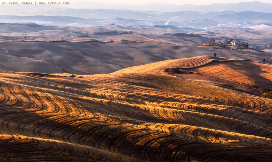 Tuscany sunrise lines light Italy hills golden hour 